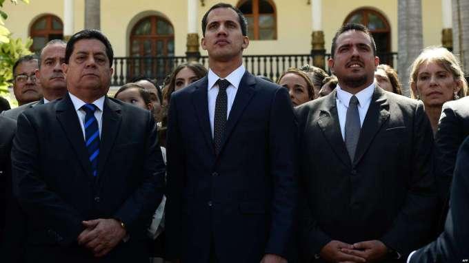 La France, l'Allemagne et l'Espagne ont déclaré être disposées à reconnaître Juan Guaido comme « Président en charge » du Venezuela.