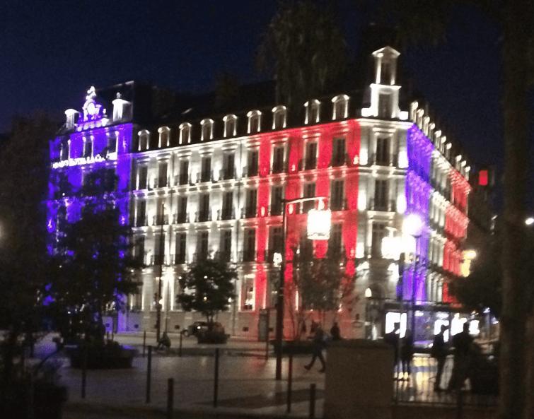 Quelle date a été choisie pour la Journée en hommage aux victimes d'attentats en France ?