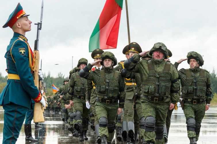 Quel pays a participé à l'entraînement militaire russe Zapad ?