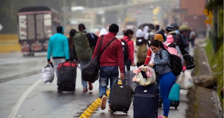 Où des migrants ont-ils massivement afflué sur le sol américain depuis début septembre et combien de personnes sont concernées?
