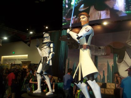 The statues at the Star Wars display