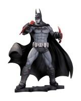 BM_AC_Batman_Statue