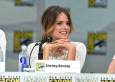 Shelley-Hennig-2-San-Diego-Comic-Con
