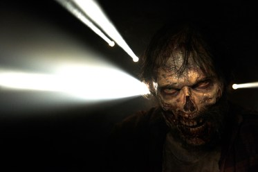 2a8aa205-e719-47bb-d45d-d4ed0c55cbe6-amc-twd-zombies-gallery-4218gn-d7135