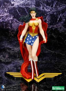 Wonder_Woman_Kotobukiya_2