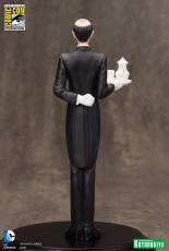 SDCC-2015-Exclusive-Alfred-Pennyworth-ARTFX-Statue-005