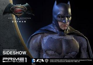 dc-comics-batman-v-superman-batman-half-scale-polystone-statue-prime-1-902663-12