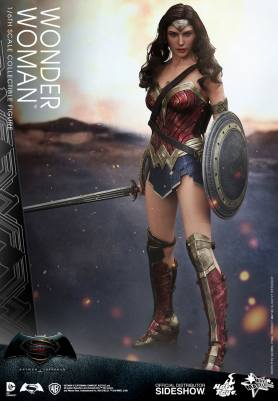 dc-comics-batman-v-superman-woner-woman-sixth-scale-hot-toys-902687-01