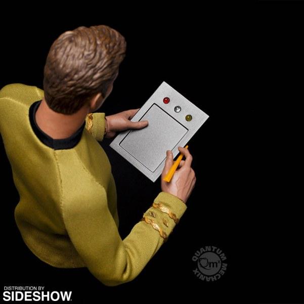 star-trek-captain-kirk-sixth-scale-quantum-mechanix-902828-10