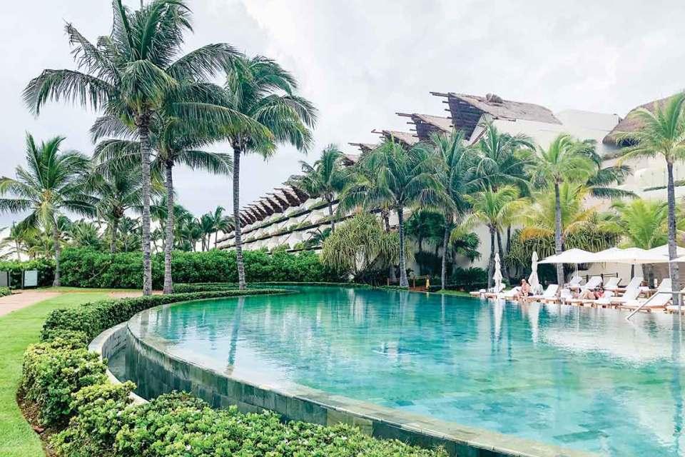 Grand Velas Grand Class Pool