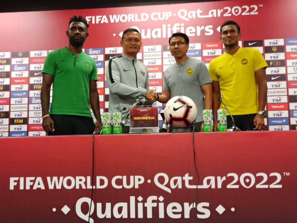 Yeyen Tumena preskon dan salaman dengan Malaysia WCQ 2019 di KL Malaysia Miliki Pemain Terbaik Disetiap Posisi - Yeyen Tumena