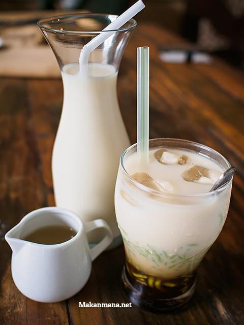 Tong's soya milk