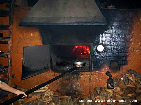 tungku kayu api zaman belanda