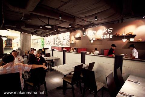 Breeks Cafe, Sun Plaza (Closed) 10