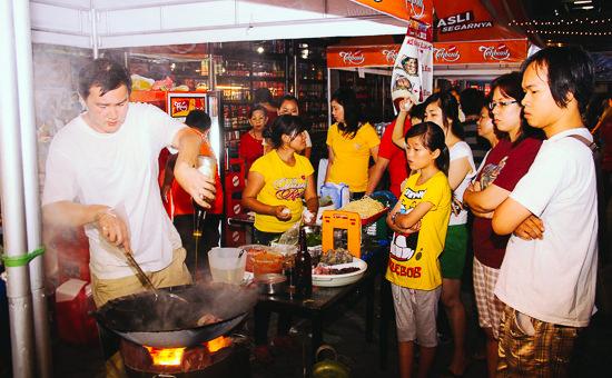 """Teh Botol Sosro """"Ho Ciak"""" Food Festival 2013 1"""