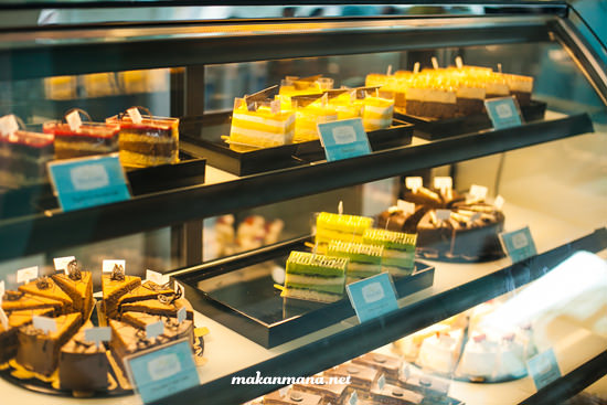 interior tea and cakes