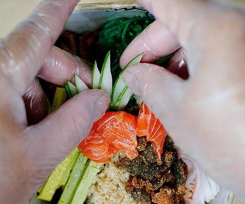 Making of: Renjiro Salad & Sushi 1