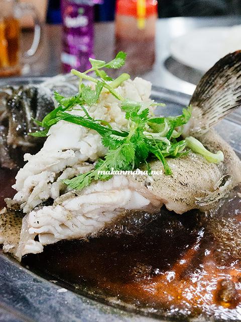Ikan kerapu steam ala hongkong Sondoro Fish Market & Seafood Restaurant
