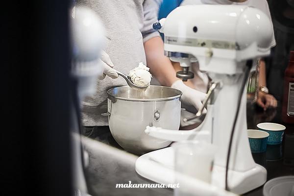 liquid nitrogen gelato