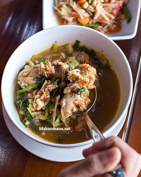 chicken something at somtam thai