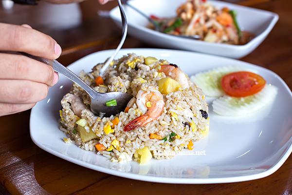 thai fried rice somtam thai medan