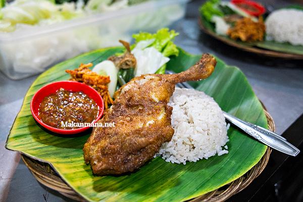 Ayam Penyet Bu Dewi 1