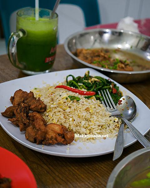 Nasi Simangunsong special Ikan Asin (25rb)