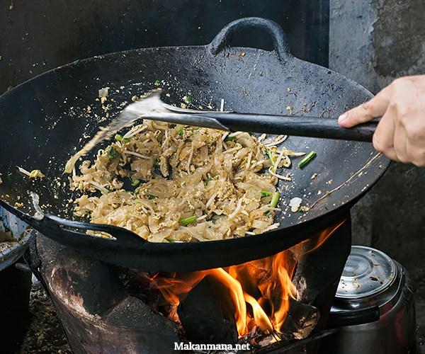 Kwetiaw goreng Lisa Materna, Sarapan Khas Chinese Yang Halal 1