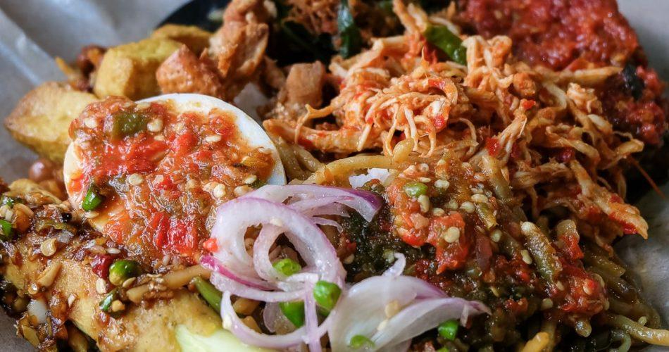 Tantang lidahmu di Nasi Pedas Bali Barong. 1
