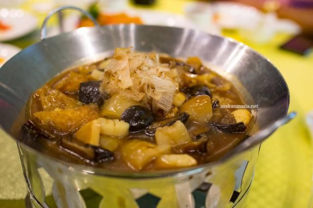 Sawo Seafood Kombinasi ()
