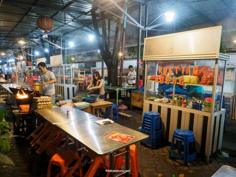 stand-food-court-kwetiau-goreng