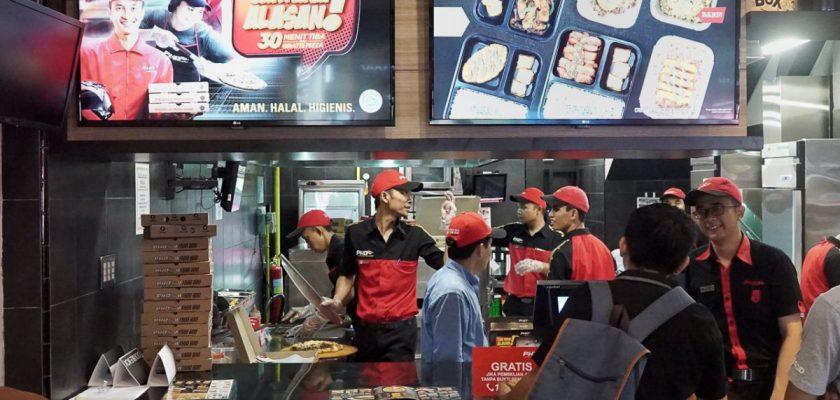 Laper tapi Mager? Dengan Pizza Hut Delivery #GakPakaiAlasan 30 Menit Dijamin Tiba 1