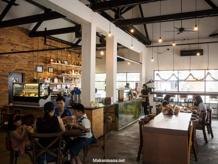 thirty-six-coffee-shop-in-medan