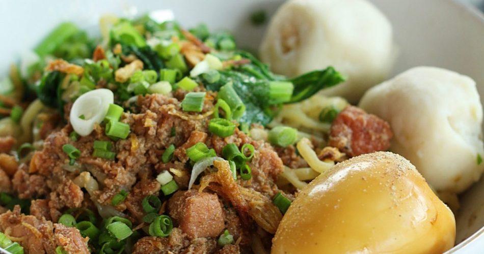 Bak Mie Khek & Chinese Food Jalan Irian Barat 1