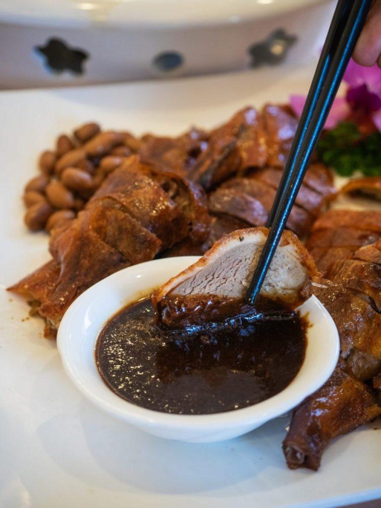 Regale Palace Restaurant: Sebuah Tradisi Makan Malam Imlek 10