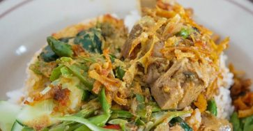 Hidangan Teras Asyifa: 'Nasi Khas Minang ini Belum Pernah Mengecewakan' 2