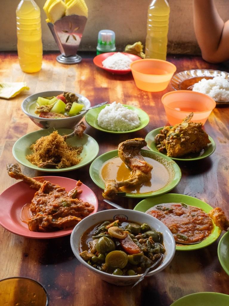 rumah makan islam marikena