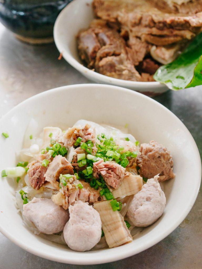 bakso sapi gu bak wan surabaya kuliner medan