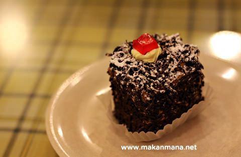 cake tip top restaurant restoran kuliner medan