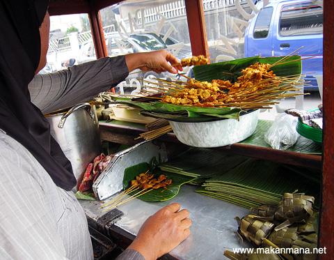 100 Must Eat Local Street Food in Medan 2019! 143