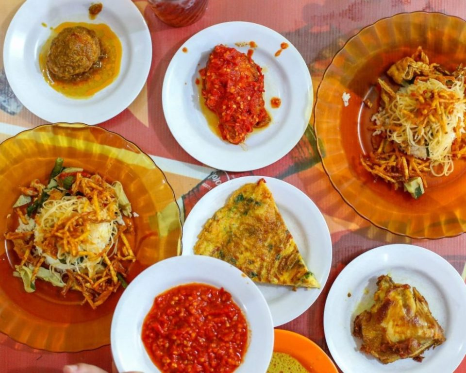 warung nasi memeng halal