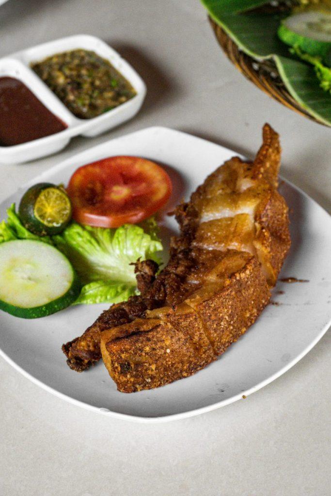 Pondok Makan Sitalolo - Ternyata Begini Kuliner Tepi Danau Khas Batak! 18