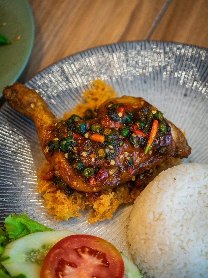 Nikmatnya 5 Kuliner Khas Thailand di Gang Aroy 10