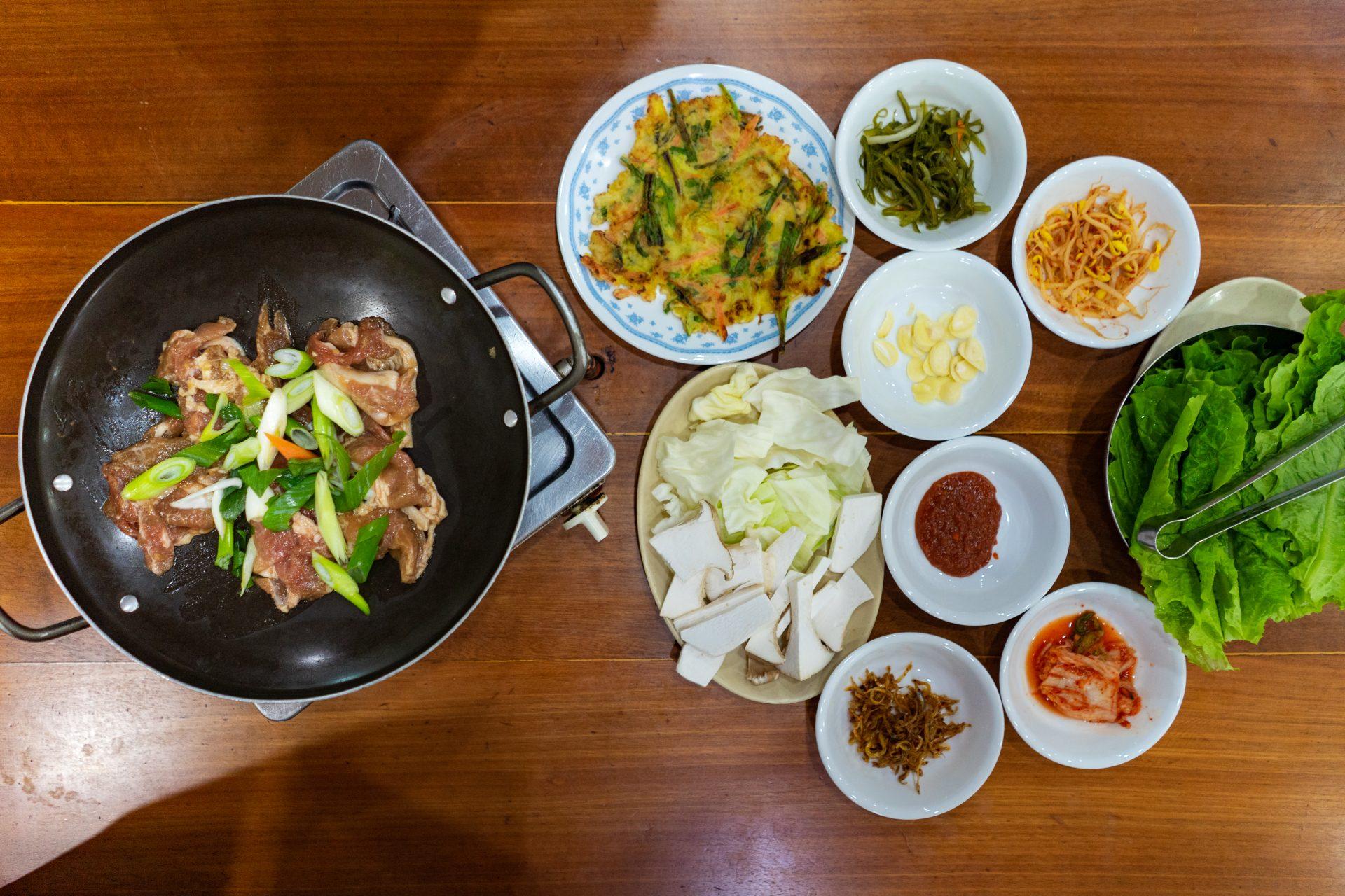 Makan Gurita Hidup-Hidup—Makanmana South Korea Trip Part I