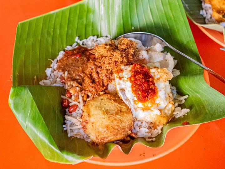 Ini Dia 10 Nasi Gurih Pilihan Makanmana Buat Sarapan Murah Meriah & Enak di Medan! 2