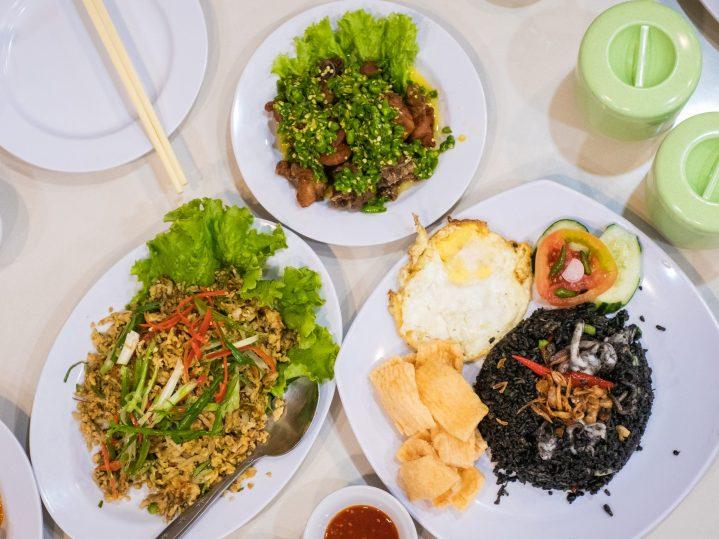 Renovasi RM AdoeA Seafood Restaurant yang Mengejutkan di awal tahun 2020. 18