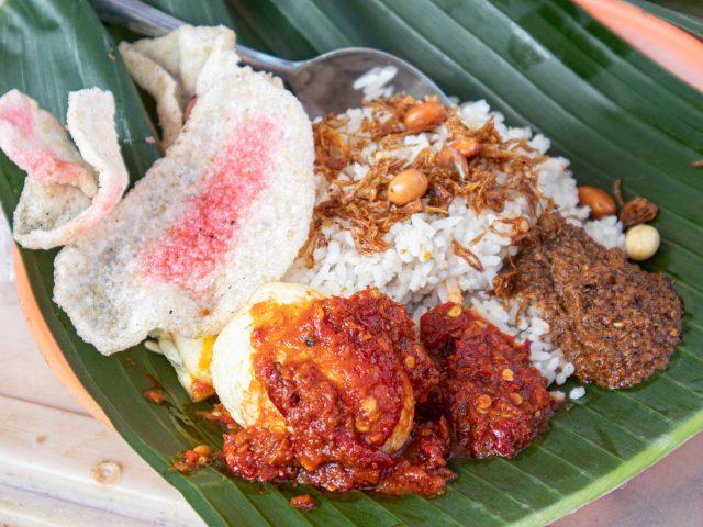 Ini Dia 10 Nasi Gurih Pilihan Makanmana Buat Sarapan Murah Meriah & Enak di Medan! 11