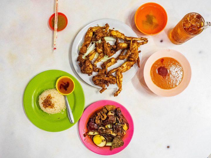 Sudah Eksis Satu Abad! Ju Hong Kotacane—Kopitiam Paling Tua di Medan? 12
