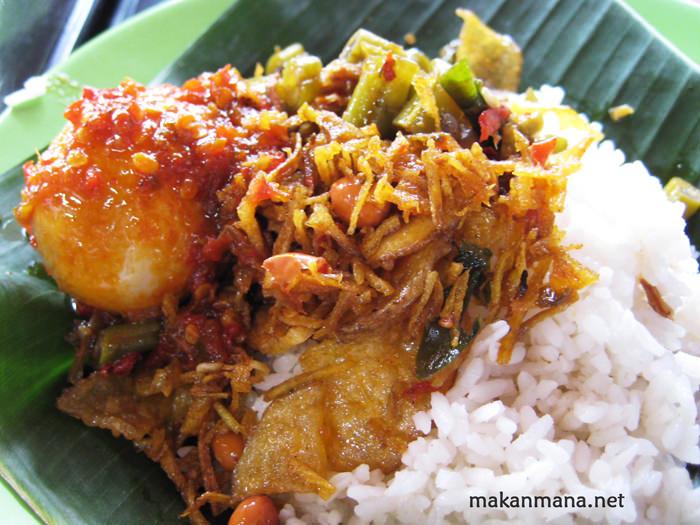 Ini Dia 10 Nasi Gurih Pilihan Makanmana Buat Sarapan Murah Meriah & Enak di Medan! 21