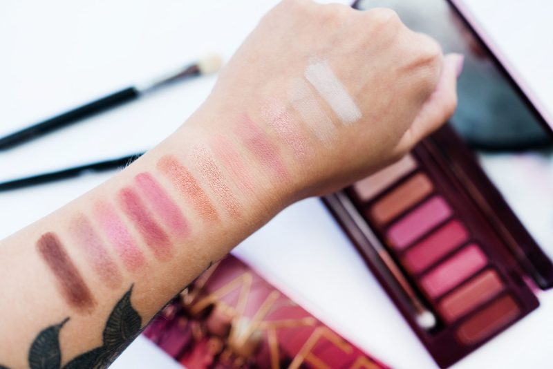 swatche palety naked cherry urban decay